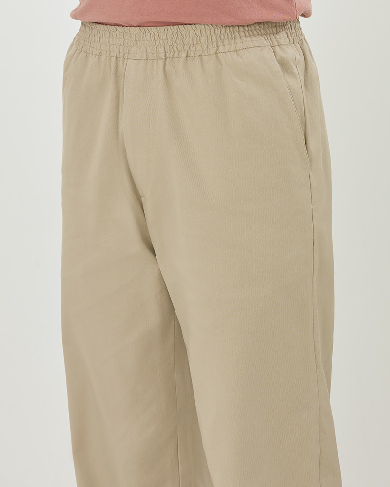Elasticated Cotton-Twill Trouser in Beige - Waistband Details