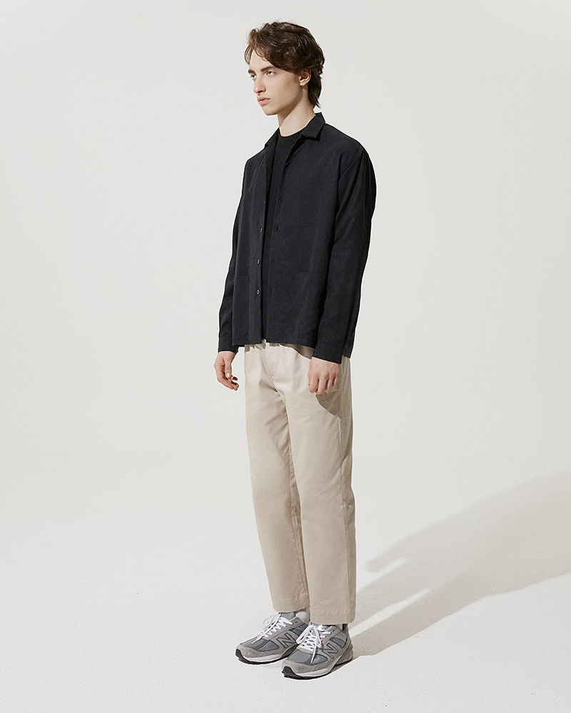 Camp-Collar Tencel Overshirt in Black - Side Image