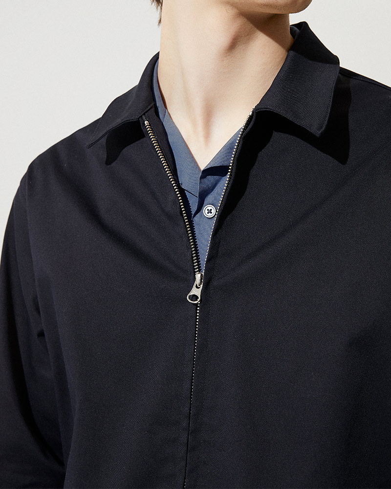Cotton-Twill Zip Jacket in Black - 2 Ways Zip Detail