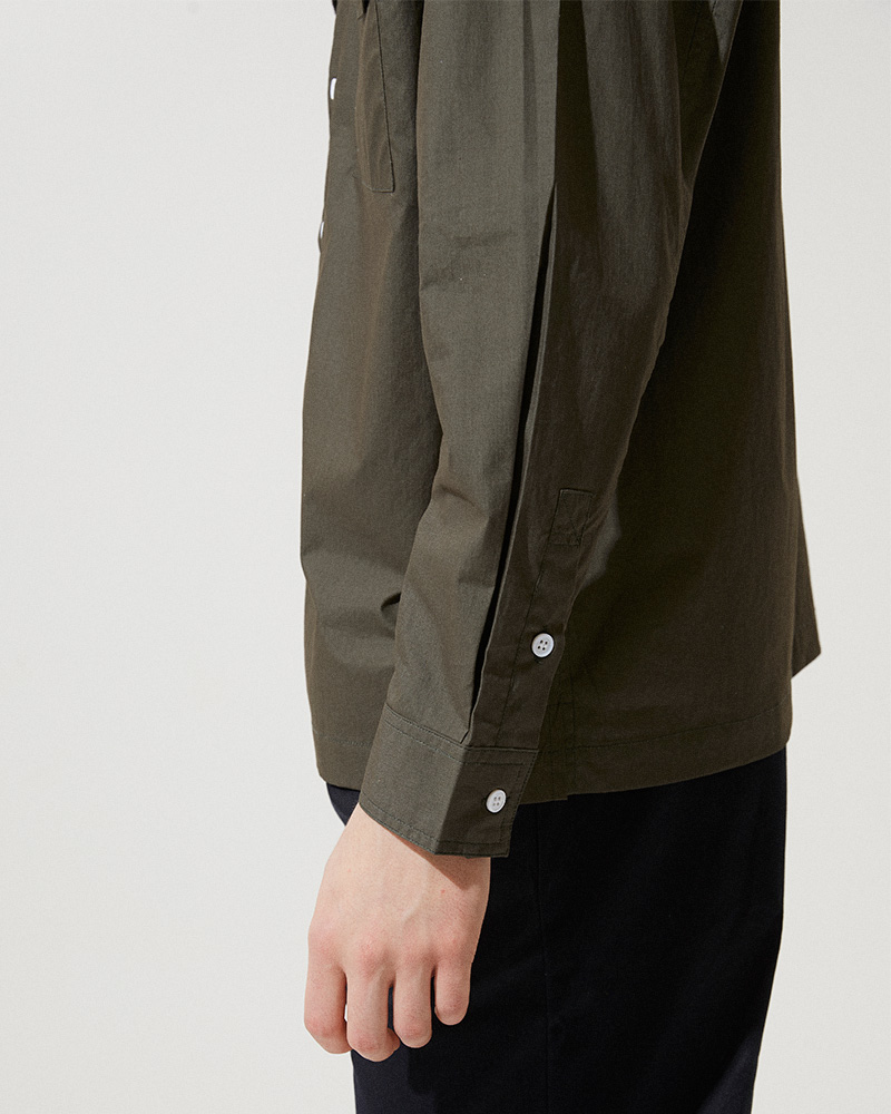 Flap Pockets Overshirt in Military Green - Buttoned Cuffs Detail