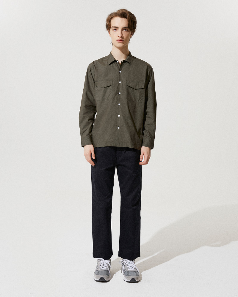 Flap Pockets Overshirt in Military Green - Front Image