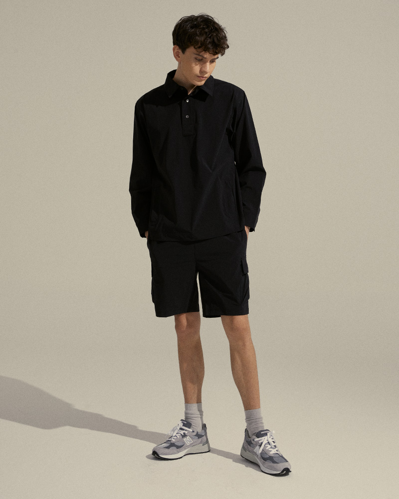 Pullover Shirt in Black - Front Image