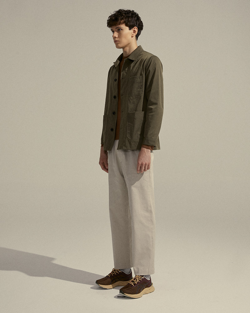 Nylon-Twill Chore Jacket in Military-Green - Side Image